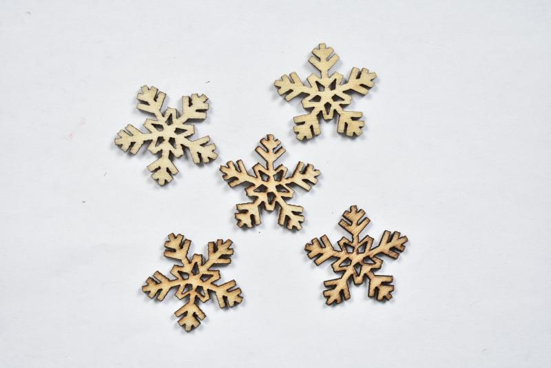 Дървени снежинки - 3,5 см-5бр