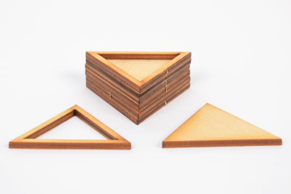 Основа за бижута - триъгълник 5 см. - 6 бр